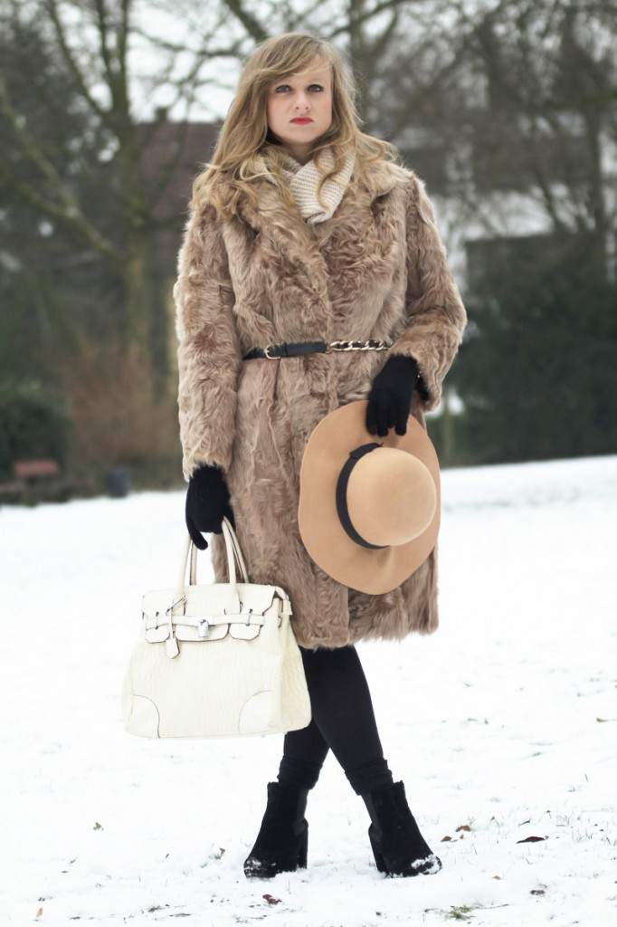 Fashion Blogger Winter Coat